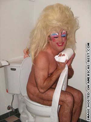 pics_tranny-on-toilet.jpg