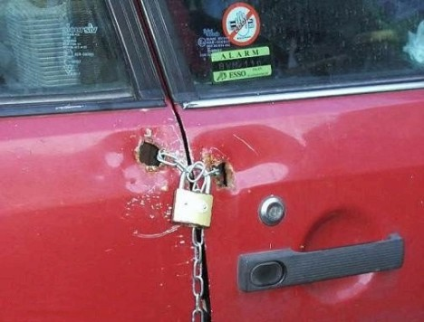 redneck_car_lock.jpg